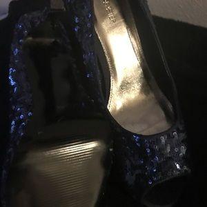 Dresses & Skirts - Open toe pump
